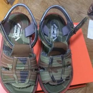 Other - Boys size 1 camo sandal